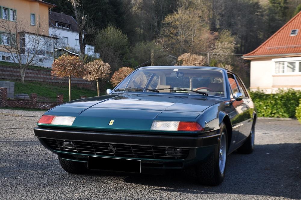 Ferrari 365 GT4 2+2 Front2