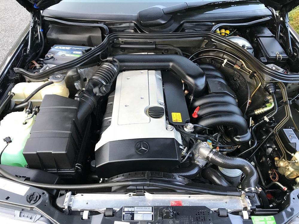 320 CE Engine
